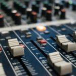 Cinco podcasts que todo periodista debería escuchar