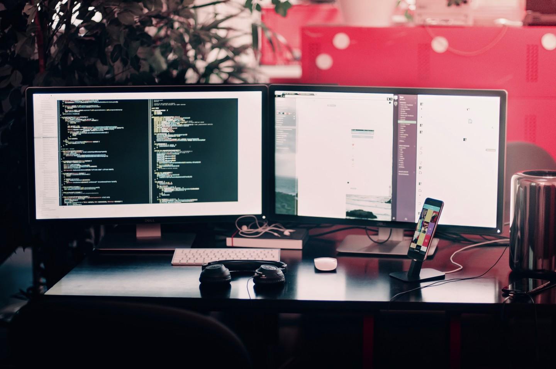 startup trabajando con slack