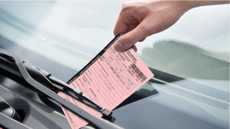 Una campaña para fomentar el transporte compartido poniendo 'multas' a los conductores